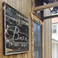 Barn in Big Horn signage